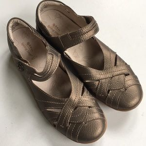 NWOT Spring Step leather shoes